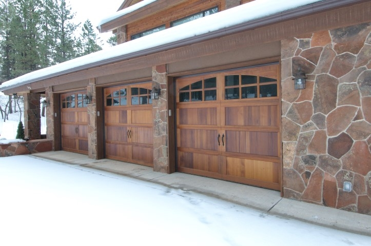 handsome-garage-exterior