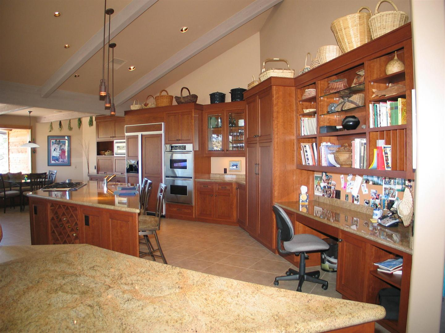 Large Contemporary Kitchen 1