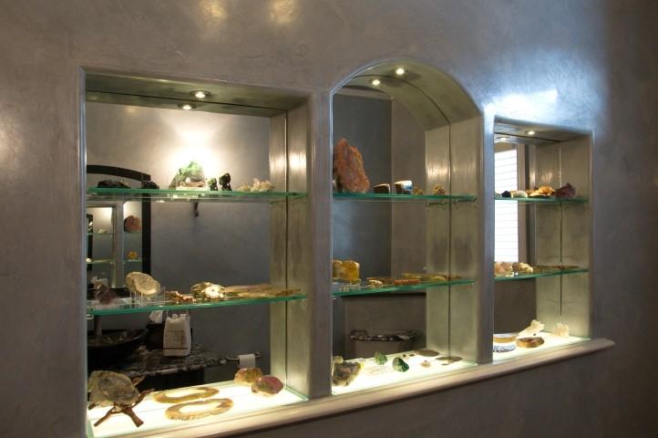 elegant-display-niche-
