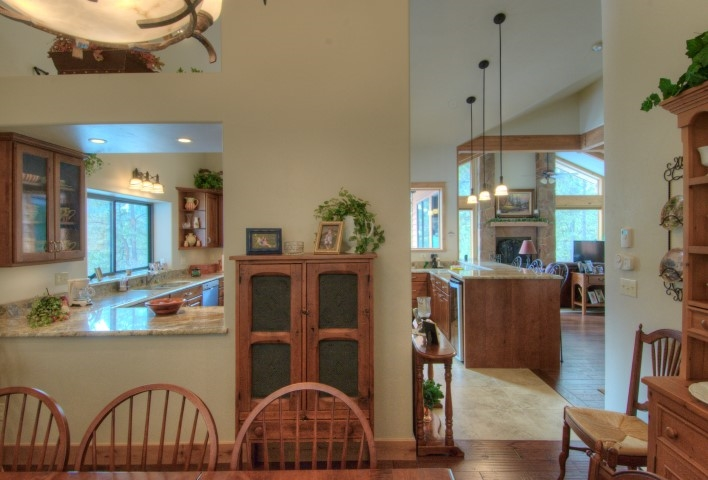 open-planning-dining-to-kitchen-and-great-room-small