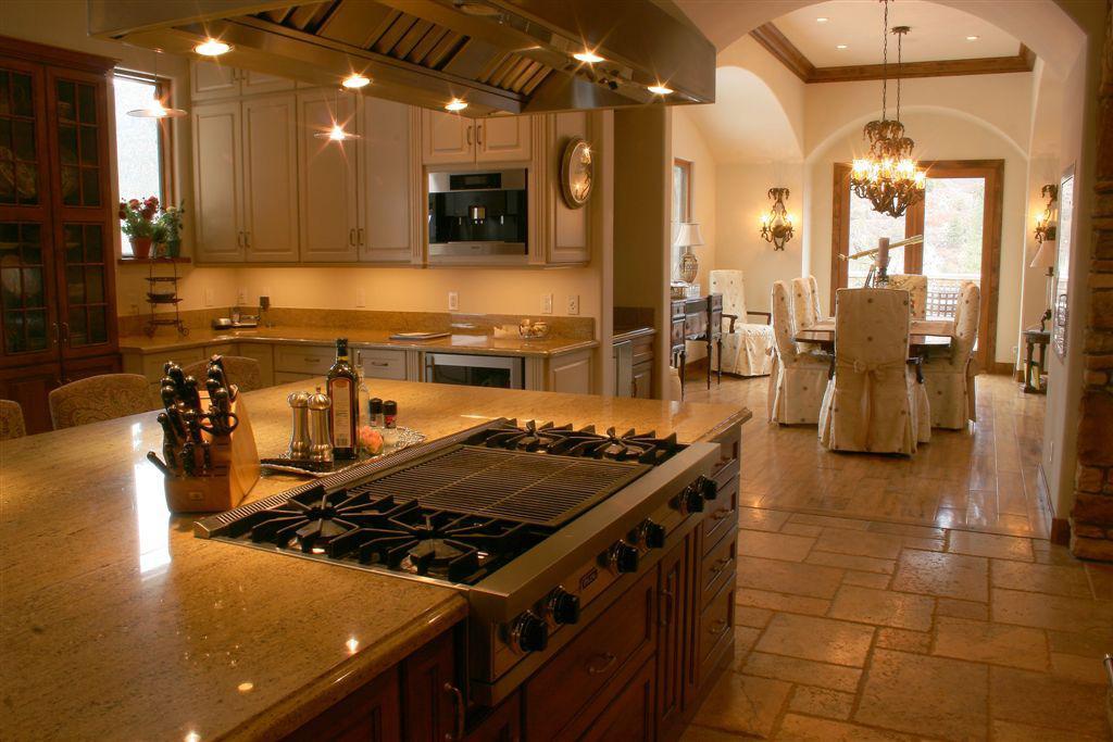 Elegant Italian Kitchen